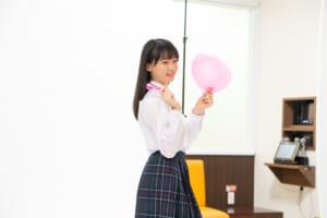 「ホリプロスカウトキャラバン」三浦理奈、まねきねこ広告に抜擢 初々しい撮影現場に潜入!