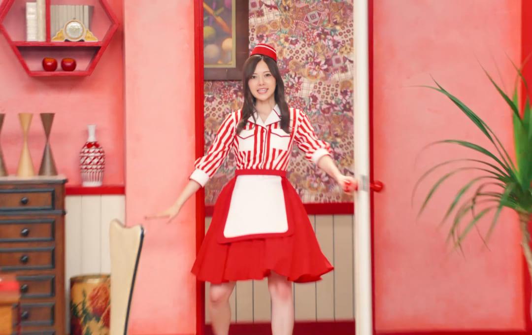 乃木坂46白石麻衣、ウェイトレス姿でミュージカル風 バイトルCM 第9弾