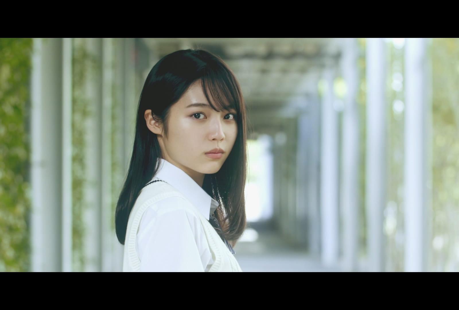 「帝京大学 理工学部」新CMの女子高生・秋田汐梨、心奪われるかわいさ 「クラスの圧倒的マドンナ感」と浮き足立つ